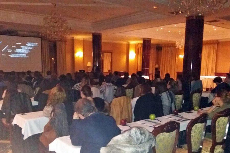 El Dr. Iturralde imparte un curso de blanqueamiento dental en Salamanca